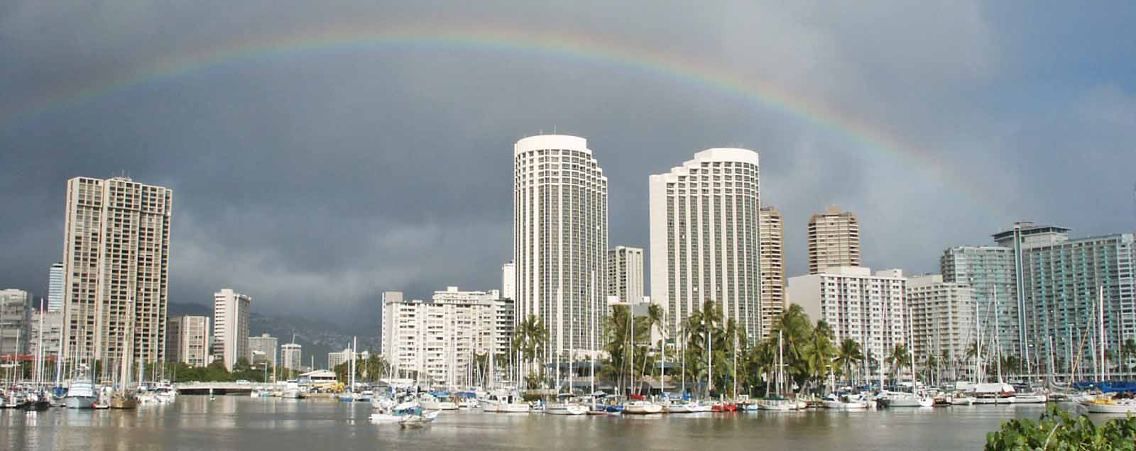 Rainbow over Honolulu Alawai