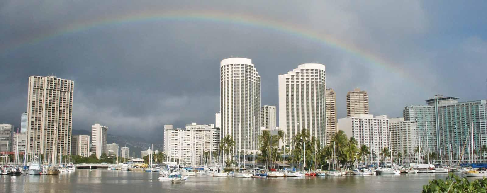 Rainbow over Honolulu Alawai